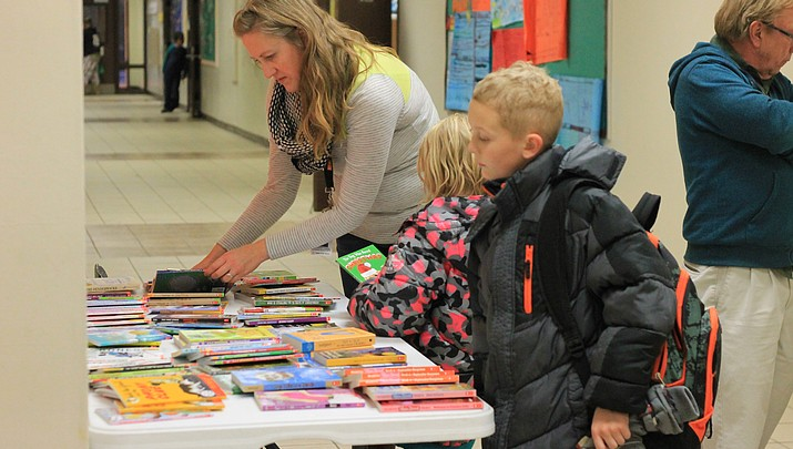 Williams schools celebrate reading with annual Literacy Night