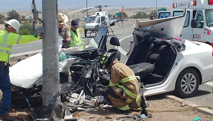 Update: Crash injures 2 at Willow Creek Road, Pioneer Parkway