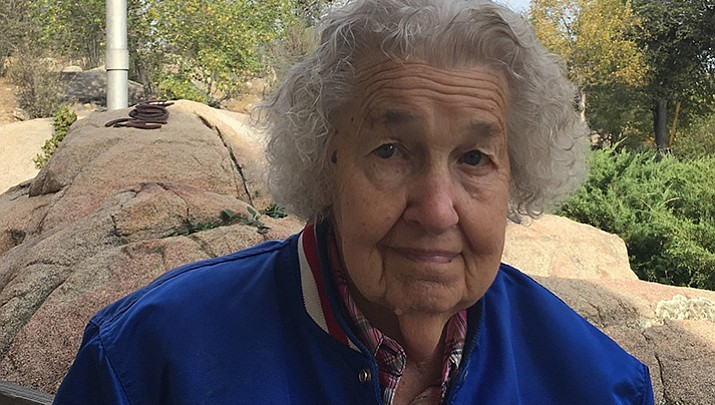 Cheering on the Cubs: Prescott woman, 93, hopes her team wins Game 1 tonight