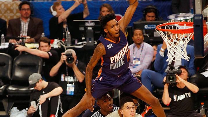 Robinson wins NBA dunk contest; Jones takes 2nd