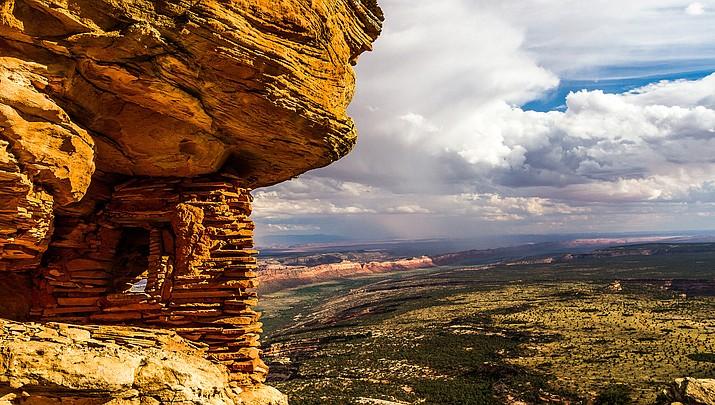 Utah Navajos join lawmakers to oppose Bears Ears