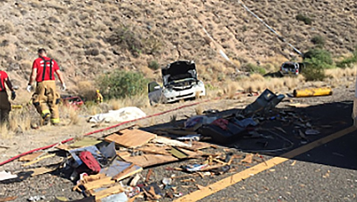 DPS: 4 hurt seriously when truck strikes 23 cars on I-17