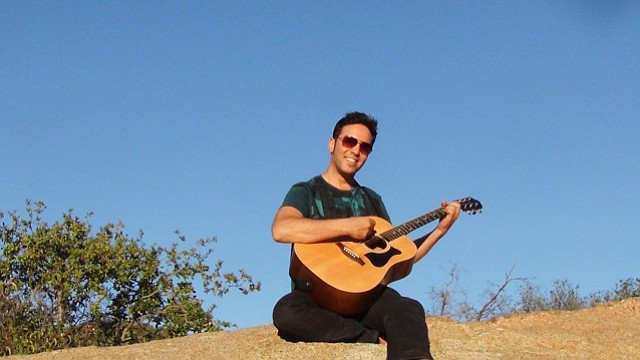 International singer-songwriter Darius Lux performs music live at Vino Di Sedona on Friday Jan. 6, from 7-10 p.m.