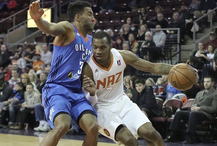 Elijah Millsap heads to the bucket against Oklahoma City on Tuesday, Jan. 10, at the Prescott Valley Event Center. Millsap scored 23 points, grabbed 10 rebounds and was a perfect 10 for 10 from the free-throw line in a 94-88 win for the Suns. (Matt Hinshaw/NAZ Suns)