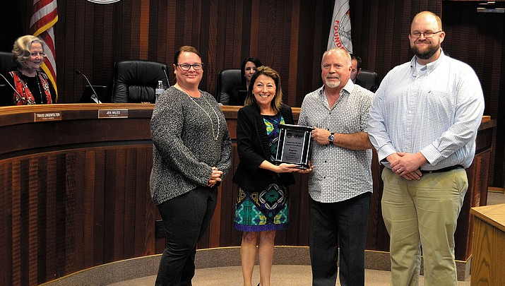 Softball association gives Kingman Parks & Rec award of excellence