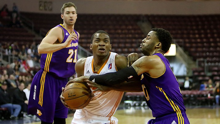 NAZ Suns hit 17 3-pointers to shock D-League leader Los Angeles (VIDEO)