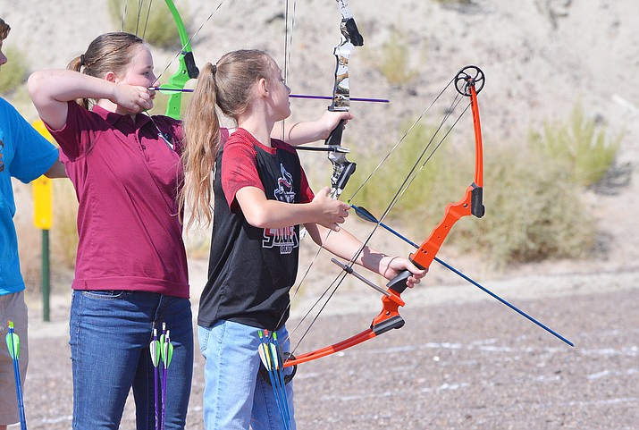The group held a practice archery shooting session for students at the range, located nine miles north of Winslow. (Todd Roth/NHO)