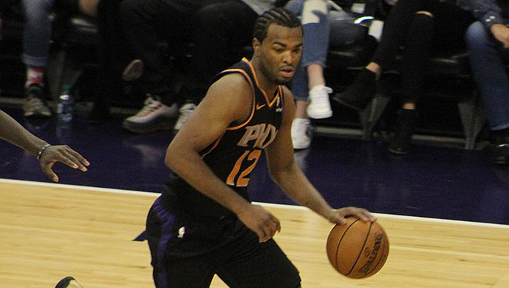 Suns drop 10th straight in loss to Spurs