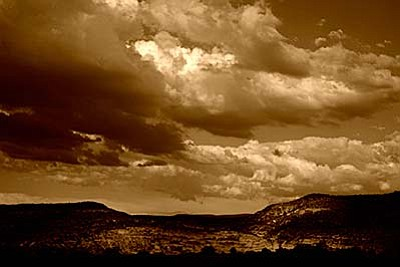 This photograph is of the mesas to the east as I drive north on Montezuma Castle Highway.