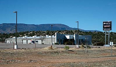 The Town of Camp Verde and automotive dealer Steve Coury are attempting to mend their business relationship.