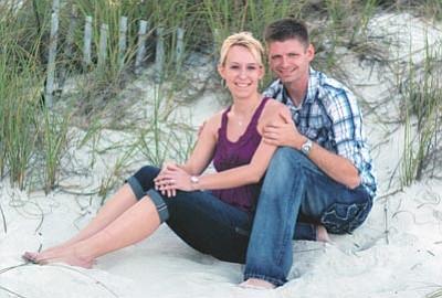 Amanda Miller and USAF Staff Sergeant Daniel DuBois