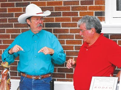 Scott Orr/The Daily Courier<br> Western author, artist and humorist Bob Boze Bell talks about Wyatt Earp with author Ross Kapstein Saturday at the History Meets Hollywood event.