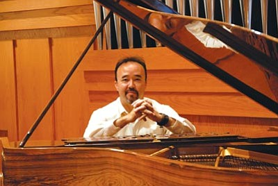 "Courtesy photo<br>James D'Leon will perform in the Prescott POPS Symphony's ""Ultimate Piano"" concert Sunday at the Yavapai College Performing Arts Center."