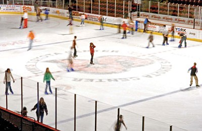 Thanksgiving Day Ice Skating Offered At Tim S Toyota Center The