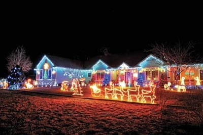 the daily courierfile julian and sharon bais home in chino - Chino Christmas Lights