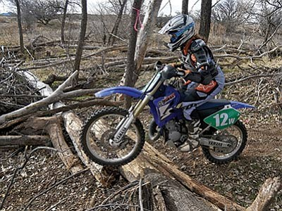 Matt Hinshaw/The Daily Courier<br> Rae McClellan, a member of the Prescott Trail Riders, practices in Kirkland.