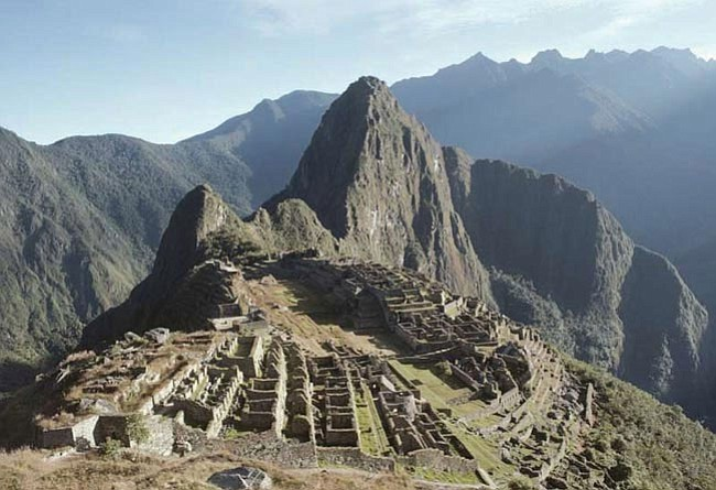 Machu Picchu was constructed around 1450 AD, at the height of the Inca Empire and was abandoned less than 100 years later, as the empire collapsed under Spanish conquest.