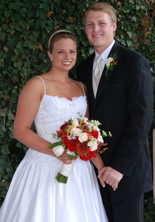 Elizabeth Zielinski and Joshua Snyder, both of Prescott, Ariz., were married July 27, 2007, at Calvary Chapel of Prescott.