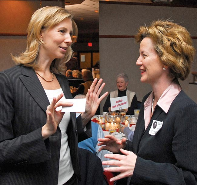 The Daily Courier/Matt Hinshaw<br> President and CEO of the Goldwater Institute Darcy Olsen, left, talks with Arizona Corporation Commissioner Kris Mayes before the Trunk 'n Tusk Dinner Saturday evening at the Prescott Resort.  Olsen was the keynote speaker for the annual fundraising dinner.