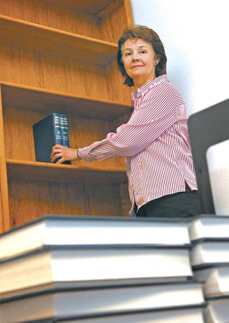 The Daily Courier/Jo. L. Keener<p> Judge Tina Ainley begins setting up her office Friday morning. Ainley has been appointed to replace the retired Janis Ann Sterling.