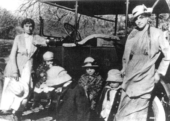 Carol Powell/Courtesy photo<p> Anna Miller, left, is photographed just weeks before her unexpected death in 1918 to the flu epidemic. Also pictured are Anna's two young daughters, Clara and Pearl (in matching coats), and her sister and her children.