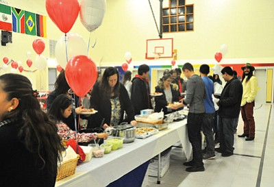 Refreshments being served during the 2015 fall sport's awards banquet at Grand Canyon School. Photo/Cyndi Moreno