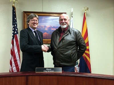 Tusayan Mayor Craig Sanderson and John Rueter during the Jan. 6 town council meeting. Submitted photo