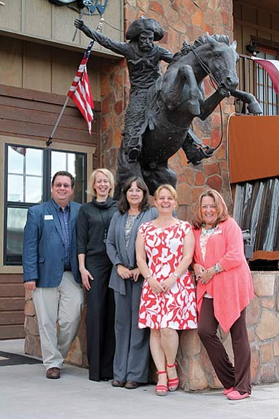 From left: Chamber board member Michael Keller, Freda Rahnenfuehrer, Becky Wirth, Chamber President Clarinda Vail and ClayAnn Cook. Not pictured Julie Aldaz and Courtney Dixon. Loretta Yerian/WGCN