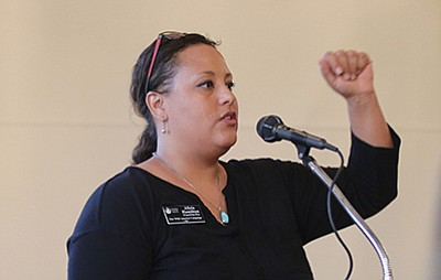 Speaker and event organizer Alicia Hamilton introduces proposed Grand Canyon Heritage area. Photo/Isabel Menzel,Cronkite News