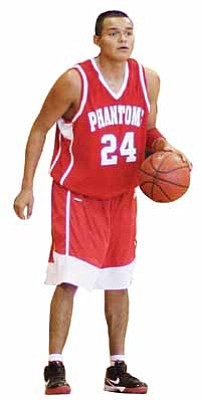 <br>Ryan Williams/WGCN<br> Phantom Daniel Celis scored 14 points in the Phantoms' recent game against San Tan Foothills.