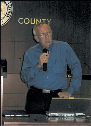 Herb Guenther, director of the Arizona Department of Water Resources, was in Kingman Wednesday night to present a proposal from the Statewide Water Advisory Group. Photo: JENNIFER BARTLETT/Miner