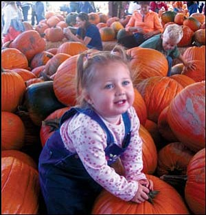 Aspen Johnson of Kingman recently visited the Pumpkin Patch in Prescott. Photo: AMY JOHNSON/Miner