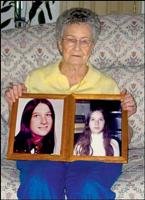 Erma (Leslie) Prue of Kingman holds pictures of her daughters Jackie (left) and Cynthia, who disappeared on July 31, 1974. AARON ROYSTER/Miner