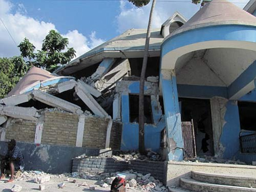WALTER KLIMACH/Courtesy Almost all of the buildings in Haiti are built of concrete, said retired Kingman doctor Walter Klimach. Many of the columns that support the upper stories of the buildings were not strong enough to support their concrete roofs when the earth began to shake.