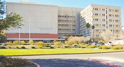 AP<br /><br /><!-- 1upcrlf2 -->The University Medical Center in Tucson has one of the few Level I trauma centers in the state of Arizona. Such Level I centers are usually located only in heavily-populated areas due to the expense of running them, but they are also the only places capable of performing complex, specialized surgeries, like the ones that saved U.S. Rep. Gabrielle Giffords' life after she was shot in the head earlier this month.<br /><br /><!-- 1upcrlf2 -->