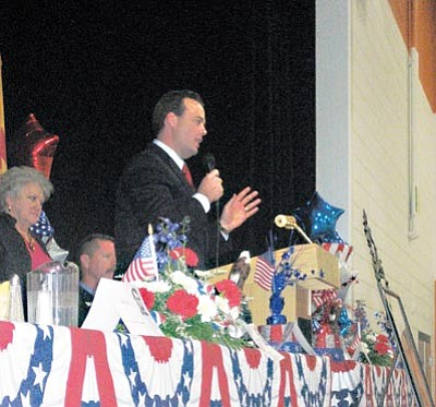 SUZANNE ADAMS/ Miner<br> Arizona Speaker of the House Kirk Adams addresses the audience at the annual Mohave County Republican Central Committee's Lincoln Day Dinner Saturday.