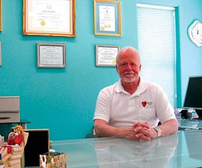 "AHRON SHERMAN/Miner<br /><br /><!-- 1upcrlf2 -->New Life Clinic's Director Robert Dean says his organization can free people from marijuana and alcohol dependence by providing online hypnosis sessions known as ""Free High.""<br /><br /><!-- 1upcrlf2 --><br /><br /><!-- 1upcrlf2 -->"
