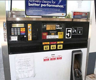 JC AMBERLYN/Miner<br>Kingman gas pump in 2008, the last time fuel prices neared $4.00 a gallon.