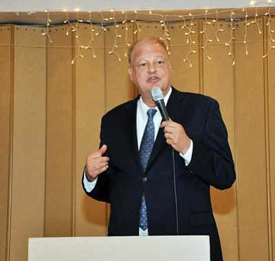 Butch Meriwether/Courtesy<br /><br /><!-- 1upcrlf2 -->Arizona Attorney General Tom Horne speaks to local republicans Wednesday evening about current issues.