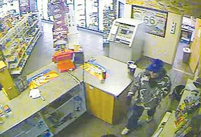 Courtesy<br /><br /><!-- 1upcrlf2 -->The Mohave County Sheriff's Office released this image of a man who robbed a convenience store in north Kingman Wednesday night.