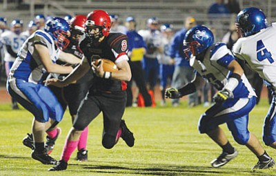 ALAN CHOATE/Miner<BR> Lee Williams High's Dallas Morgan, pictured, and Jason Ruiz have the ability to pile up rushing yards for the Volunteers.