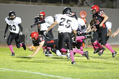 ALAN CHOATE/Miner<BR> Dallas Morgan dives toward the goal line for the Volunteers Friday.