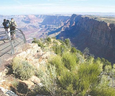 JC AMBERLYN/Miner<br /><br /><!-- 1upcrlf2 -->Tourists enjoy the spectacular sights of the Grand Canyon National Park in 2005.