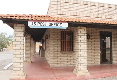 The contract U.S. Post Office on Andy Devine Avenue in downtown Kingman is scheduled to close at the end of the year. (JC AMBERLYN/Miner)