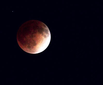 JC AMBERLYN/Miner<BR> A blood moon from April 2014.