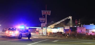 Fire crews respond to an early morning fire Thursday in Kingman. (HERBERTA SCHROEDER/Courtesy)