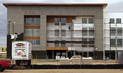 JC AMBERLYN/Miner<BR> Construction continues on the new La Quinta Inn Thursday near the Hampton Inn and Kingman Regional Medical Center.