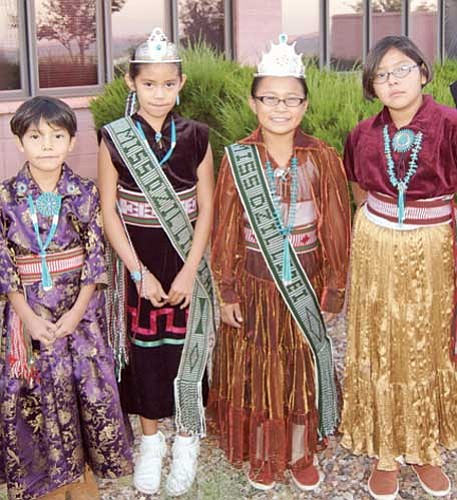 <i>Billy Huskie Jr., Huskie Fotos Photography</i><br> Pictured from left to right: Terri Yazzie, 2009-2010 Miss Hawkeye Jaime Butler, 2009-2010 Miss Dzil Libei Marisa Nez and Moriah Yazzie.