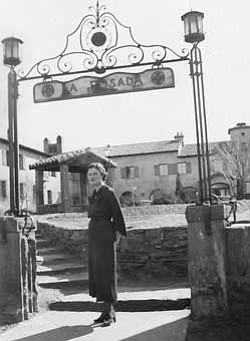 "Harvey Girl ""Jean"" in front of La Posada Hotel in 1936. Photo/Old Trails Museum"