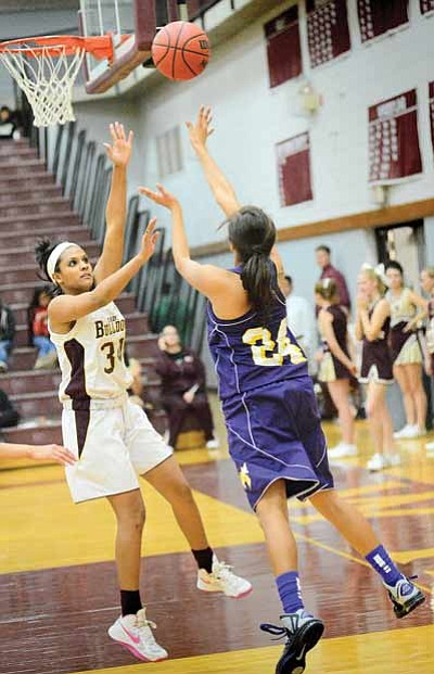 Lady Bulldog Hally Hays plays defense against Blue Ridge's Asia Kinney during the Lady Bulldog's decisive 67-22 win at home Dec. 11. Photo/Todd Roth